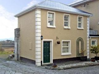 THE GHILIES COTTAGE, pet friendly, country holiday cottage, with a garden in Corofin, County Clare, Ref 4608
