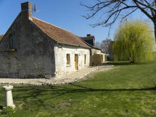 Romantic Loire Valley Cottage -1 bedroom; sleeps 4
