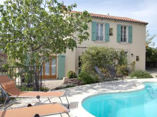 Maison Beaufort: A Sunny Garden and Vineyard Views, Languedoc-Roussillon