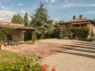 Beautiful Farmhouse in the Chianti Near Town - Casa Radda