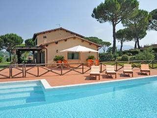 Exclusive villa with private pool near Rome