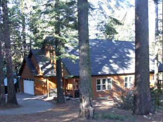 Natal Granite Retreat for large groups, Wi-Fi, Shaver Lake
