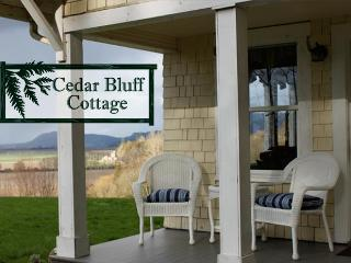 Cedar Bluff Cottage, Stanwood