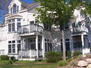 Adorable First Floor Condo, Steps to Lk MI Beaches, Manistee