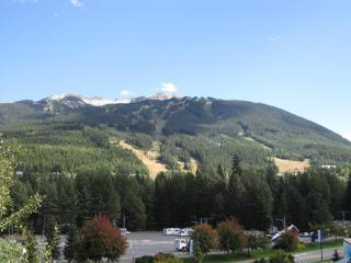 Whistler Village - 2 Bedroom Town Plaza-Eagle Lodge