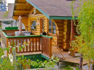 Sand Dollar Log Cabin, Water Front, Hot Tub, BC, Texada Island