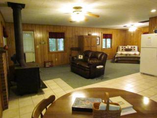 Kishauwau Cabins near Starved Rock Utica IL Whrlpl