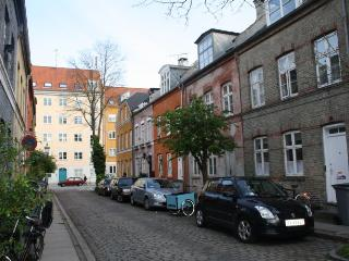 Three floor townhouse - idyllic Copenhagen apartment, Kopenhagen