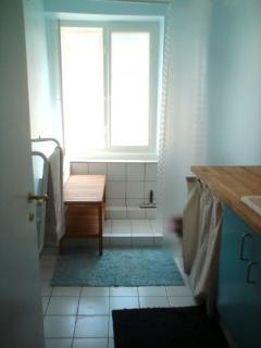 5 bedrooms, 1 bathroom
