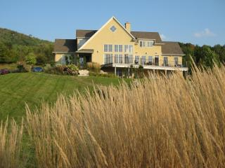 4 season, 40 acre,5 bdrm,1 hot tub, luxury retreat