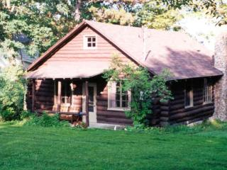 Rustic Log Cabin on Seneca Lake, Penn Yan