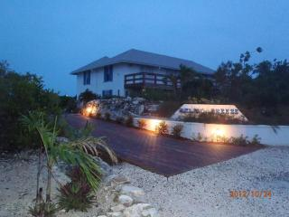 The Villa - Bed and Breakfast, Providenciales