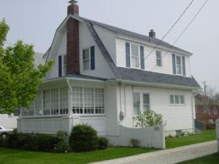 Heavenly House with 4 BR & 2 BA in Cape May (22485)