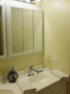 Master Bath features Double Sinks and great Lighting!