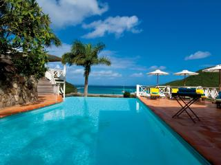 3 bedroom villa at walking distance of Anse Marcel Beach