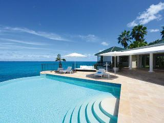 LA DACHA... Luxurious 5 bedroom oceanfront villa estate perfect for
