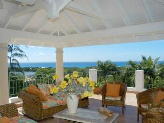 LA PROVENCALE & LITTLE PROVENCE...7 BR Hillside Villa Estate in French St Martin...Perfect for Luxury Family or Couples Vacation or Small Group Corporate Retreat, St. Maarten