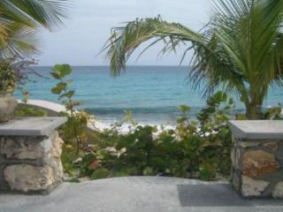 BAIE LONGUE BEACH HOUSE...3 BR  tropical hideaway for couples directly on Long, St. Maarten/St. Martin