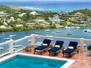 MAJESTIC VIEW...5 BR St Maarten Villa Overlooking captivating Oyster Pond and Dawn Beach