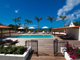 HACIENDA... fabulous villa rental perfect for families, Terres Basses