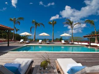 HACIENDA...Irma Survivor! Fabulous 3+1BR villa rental perfect for families
