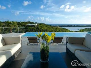 NO LIMIT...3 equal master suites, luxury, views, great for couples!, Terres-Basses