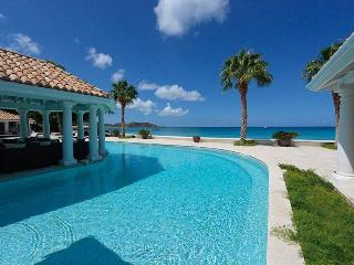 PETITE PLAGE V... Stunning New Ultra Deluxe Beachfront Estate on St Martin!, Grand Case