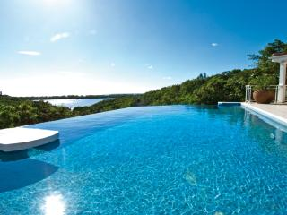 SEA VOUS PLAY...very private comfortable villa with views to Saba and beyond, Terres Basses