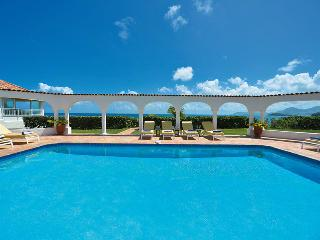 SERENA... This elegant beachfront villa is truly exceptional!, St. Maarten