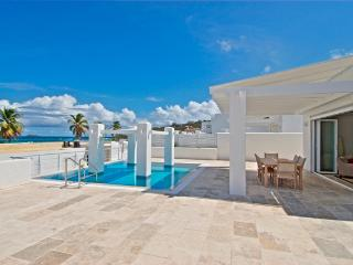 CORAL BEACH CLUB...  We invite you to experience Luxurious 5 Star Beachfront Living 2 or 3 BR rates..., Oyster Pond