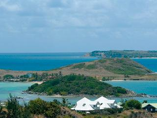 EDEN VIEW... fabulous contemporary villa overlooking Orient Bay