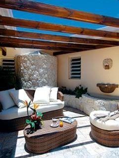 Eden View, 4BR vacation villa overlooking Orient Bay, St Martin