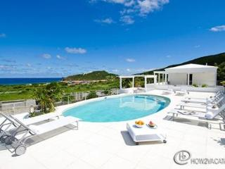 ALIZEE...Comfortable 7 BR Family Villa In Dutch St Maaretn.. Walk To Guana Bay Beach, St. Maarten