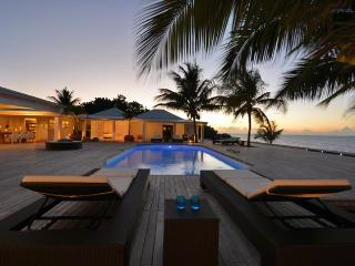 Interlude at Baie Rouge Beach, Saint Maarten - Beachfront, Pool, Contemporary, Terres Basses