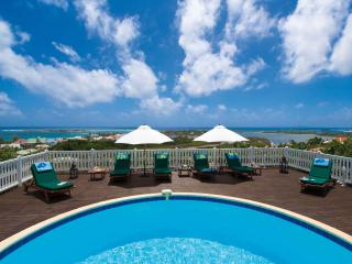 MANGO... 4 BR ... amazing views of Orient Bay await you...enjoy!