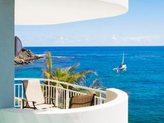 The Lighthouse 3C - Ideal for Couples and Families, Beautiful Pool and Beach