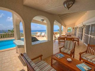Riviera - Ideal for Couples and Families, Beautiful Pool and Beach, Simpson Bay