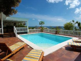 SAPPHIRE...  a casual hillside 3 BR villa, St Maarten villa with ocean views in