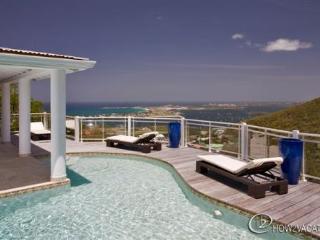 HORIZON...  Stunning views await you at this beautiful 3 BR contemporary villa!, Isla de San Martín