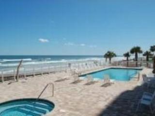 Daytona Beach Opus 6th Floor 3 Bdrm 2 Bath Condo *AUGUST $135/ntly*