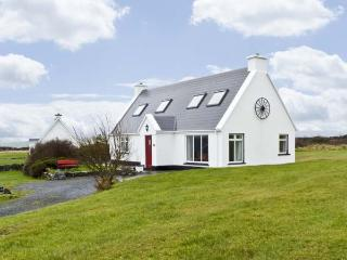 6 MUCKANISH COTTAGES, family friendly, with a garden in Ballyvaughan, County Clare, Ref 4599