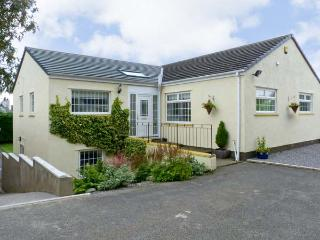 WHITE GABLES, family friendly, country holiday cottage, with a garden in Great Clifton, Ref 4587, Workington