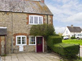 CANDY COTTAGE, pet friendly, country holiday cottage, with open fire in Thornfor