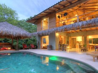 Casa Macondo Romantic Tropical Luxury Beach Villa, Santa Teresa