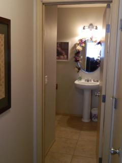 1/2 bath powder room