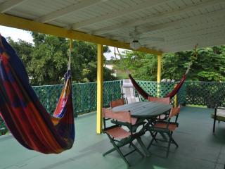 Amarilla Casita In Vieques
