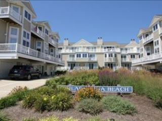 Idyllic Condo with 3 BR, 3 BA in Cape May (5937)