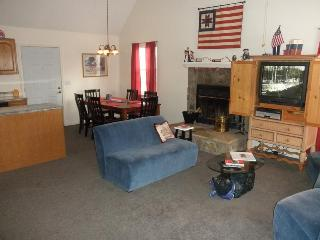 All Decked Out-Big Cabin, Low Rates, No Xtra Fees, Gatlinburg