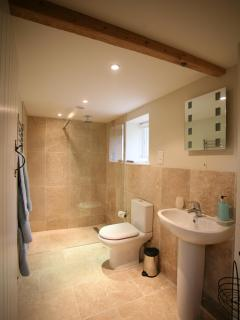 Bathroom with wetroom