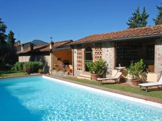 Farmhouse Close to Lucca for a Family - Casa Guamo, Capannori